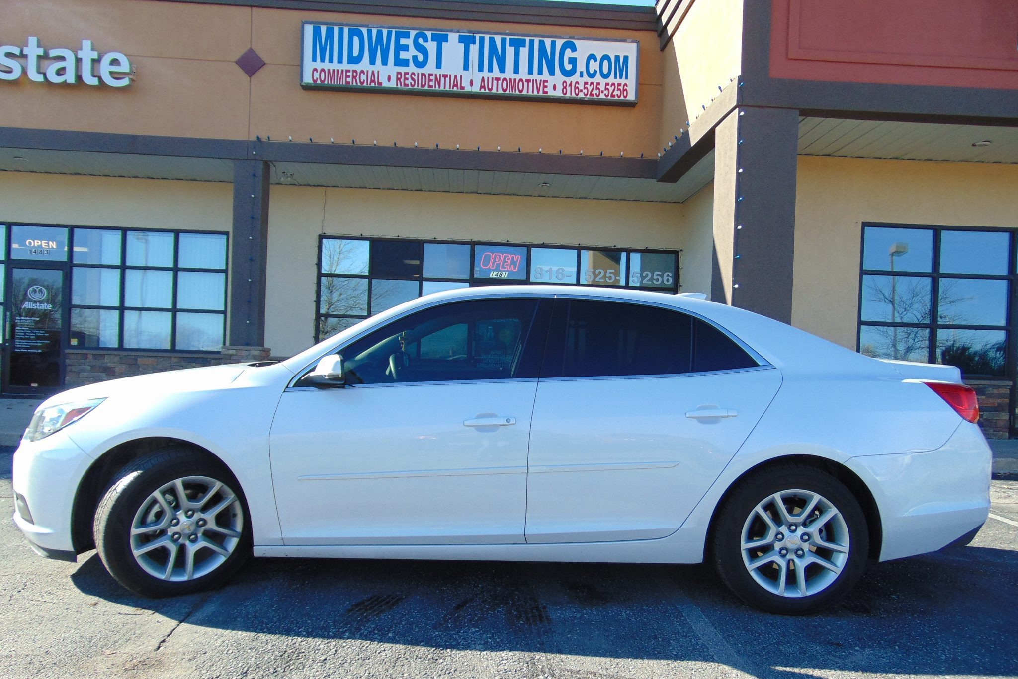 Window tint service kansas city midwest tinting for Window tinting